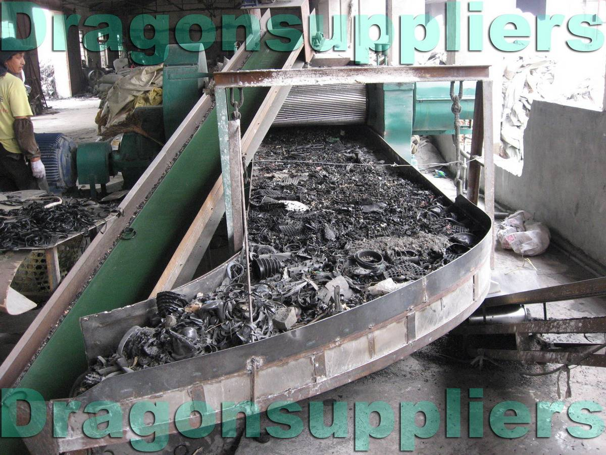 Waste tire recycling equipment 55kw rubber powder grinding for Tractor tire recycling